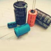 引线型双极性铝电解电容器