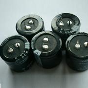 螺栓型铝电解电容器