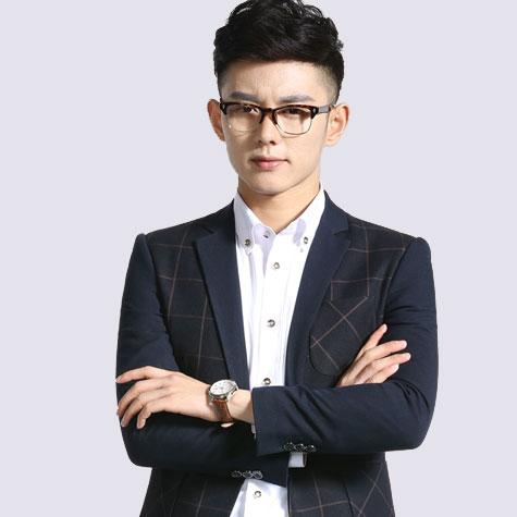 李佑杰 首席设计师